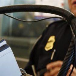 La prise d'empreintes digitales à l'arrivée aux USA