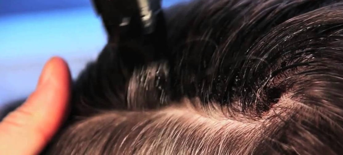 Stylo de retouche pour les racines de cheveux