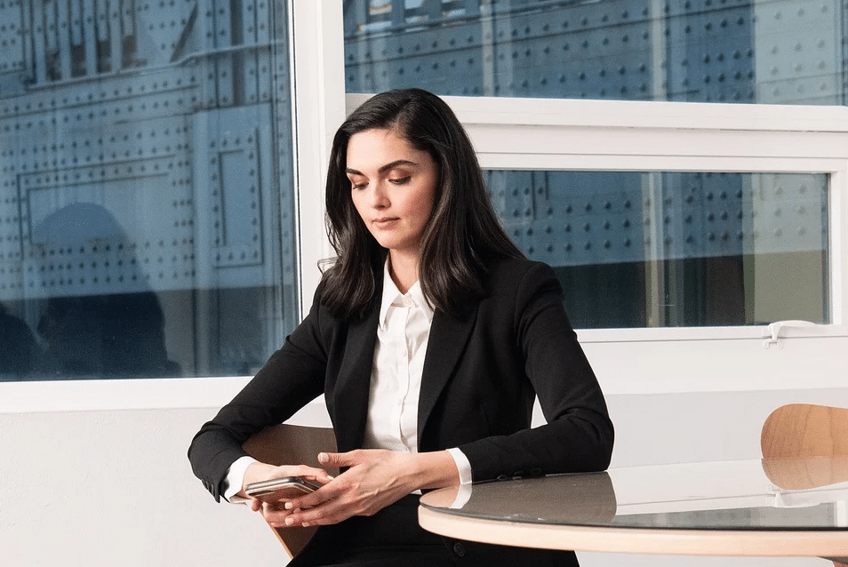 Quelles sont les différentes façons de porter un blazer pour femme ?