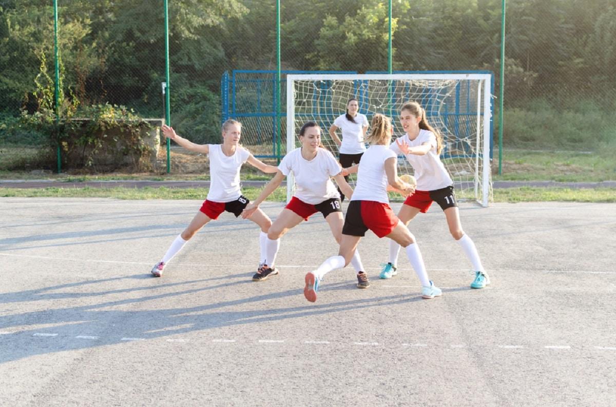Commencer le handball : les bases pour bien débuter